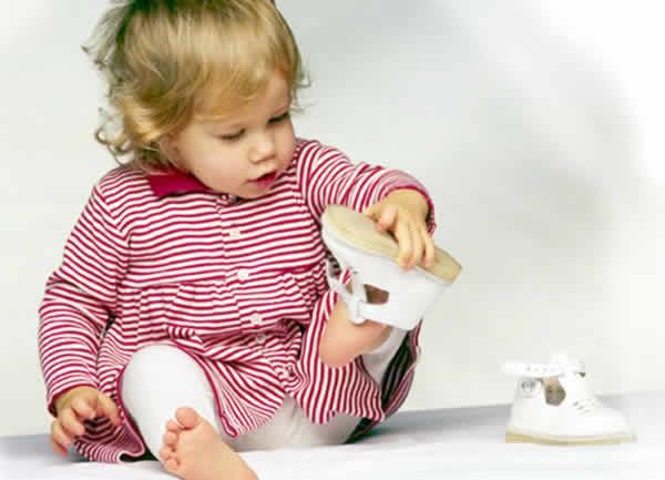 Первая обувь для ребенка Image
