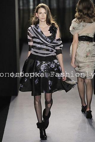 Модные тренды осень 2010: полоски и цветы от Paul Smith
