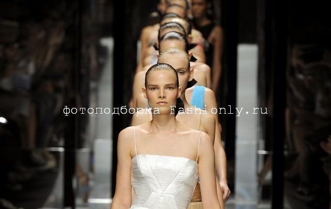 Versace 2011 фото с показа Image