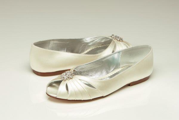 Обувь для невесты: от шпилек до балеток