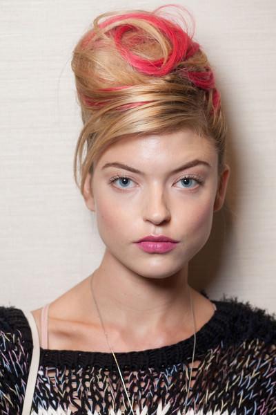 Модные прически для длинных волос 2013