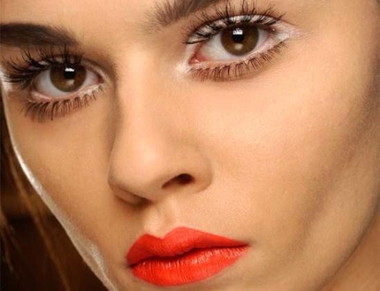 Тенденции макияжа весна-2013 Image
