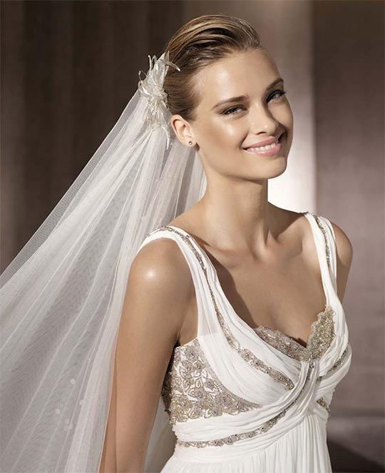 Выбор прически под свадебное платье