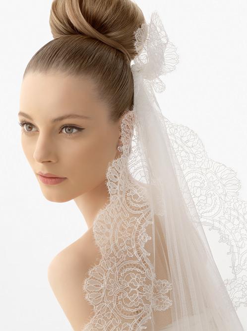 Выбор прически под свадебное платье Image